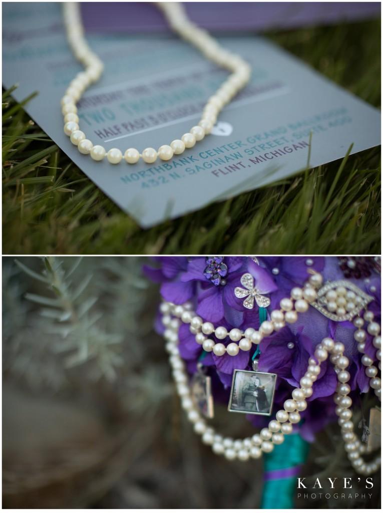 brides necklace and bouquet