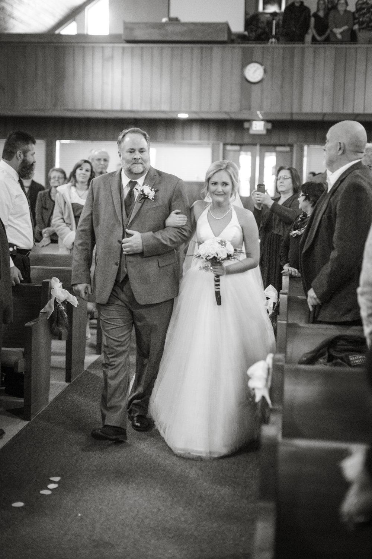 bride-details-on-wedding-day
