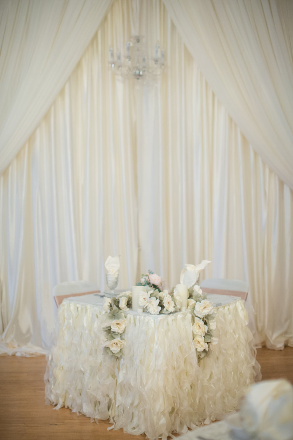 sweetheart table at vintage wedding in detroit michigan