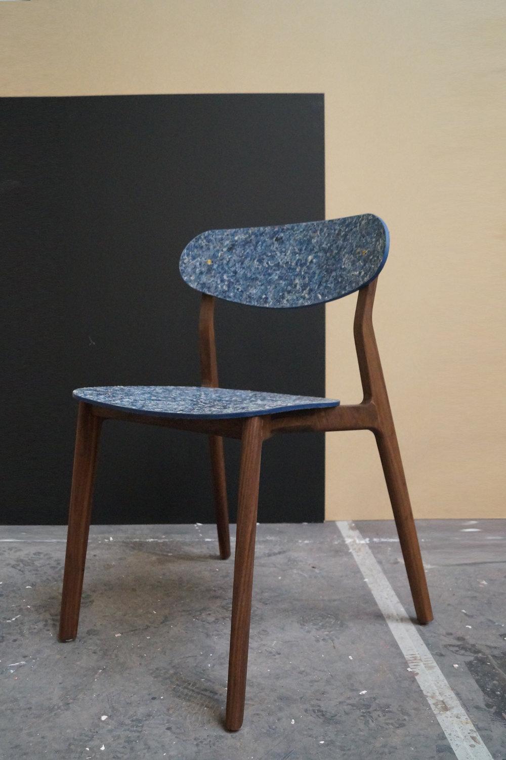Ubu_Chair_Iso_02.jpg