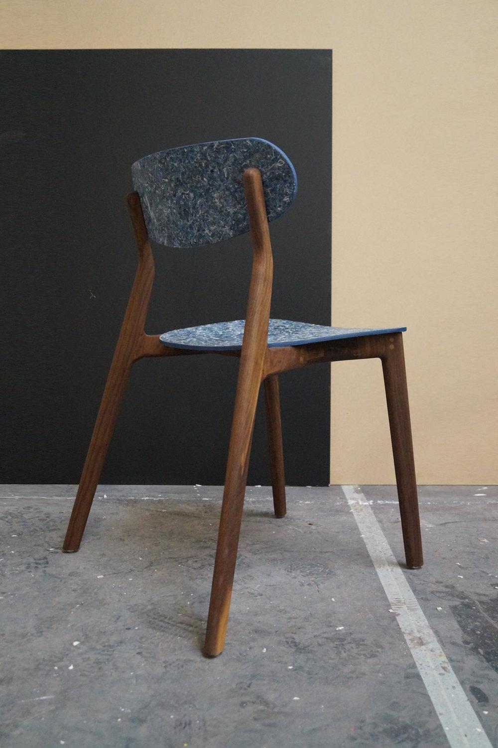 Ubu_Chair_Iso_05.jpg