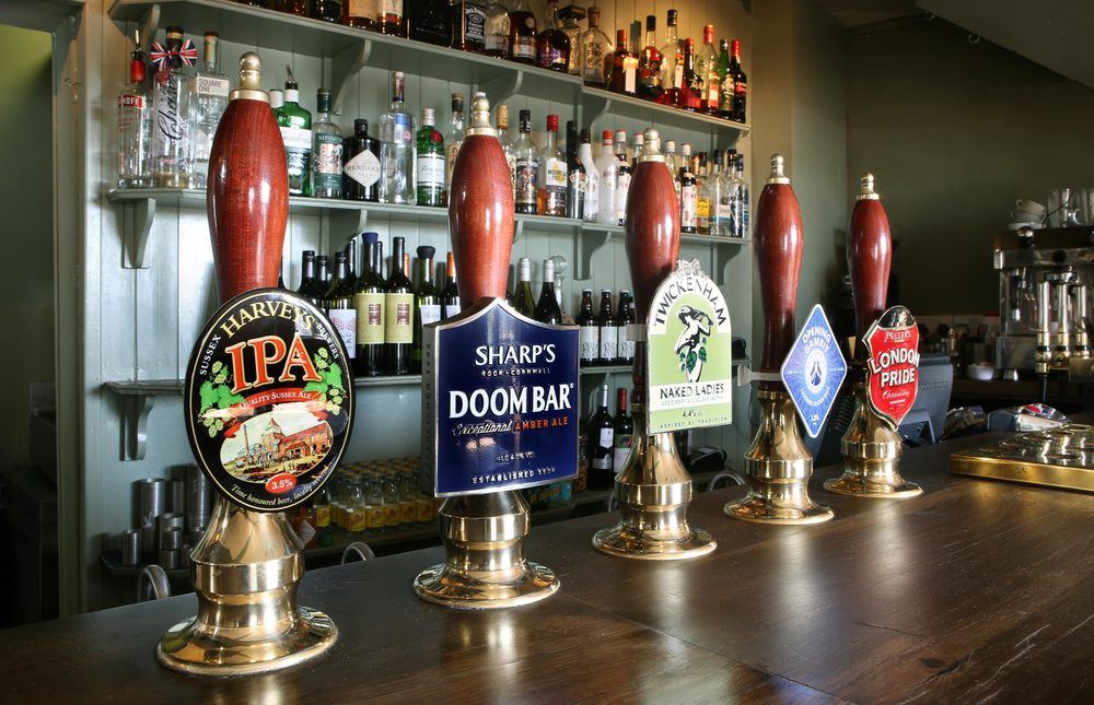 The-White-Swan_Beer-Ale-Taps_RT_2560x1650.jpg