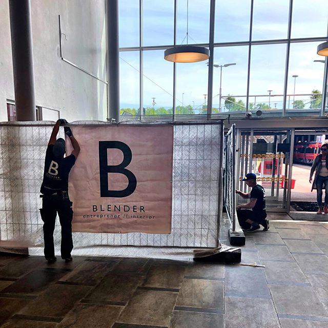 Vi er igang med å bygge billettsalgene til En Tur, på 5 forskjellige jernbanestasjoner i Norge - først ut #stavanger , design by @brandloslo  #projectbyblender #entur #brandl #entreprenør #bygg #design #håndverk #feinschmecker #tog #stasjon