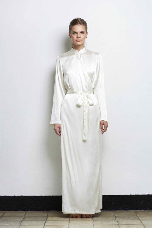 QIANG Silk Robe. Cream 50587da4b