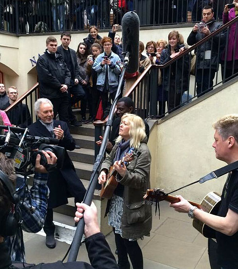 Sally-Barker-busking-at-Covent-Garden-with-Tom-Jones.jpg