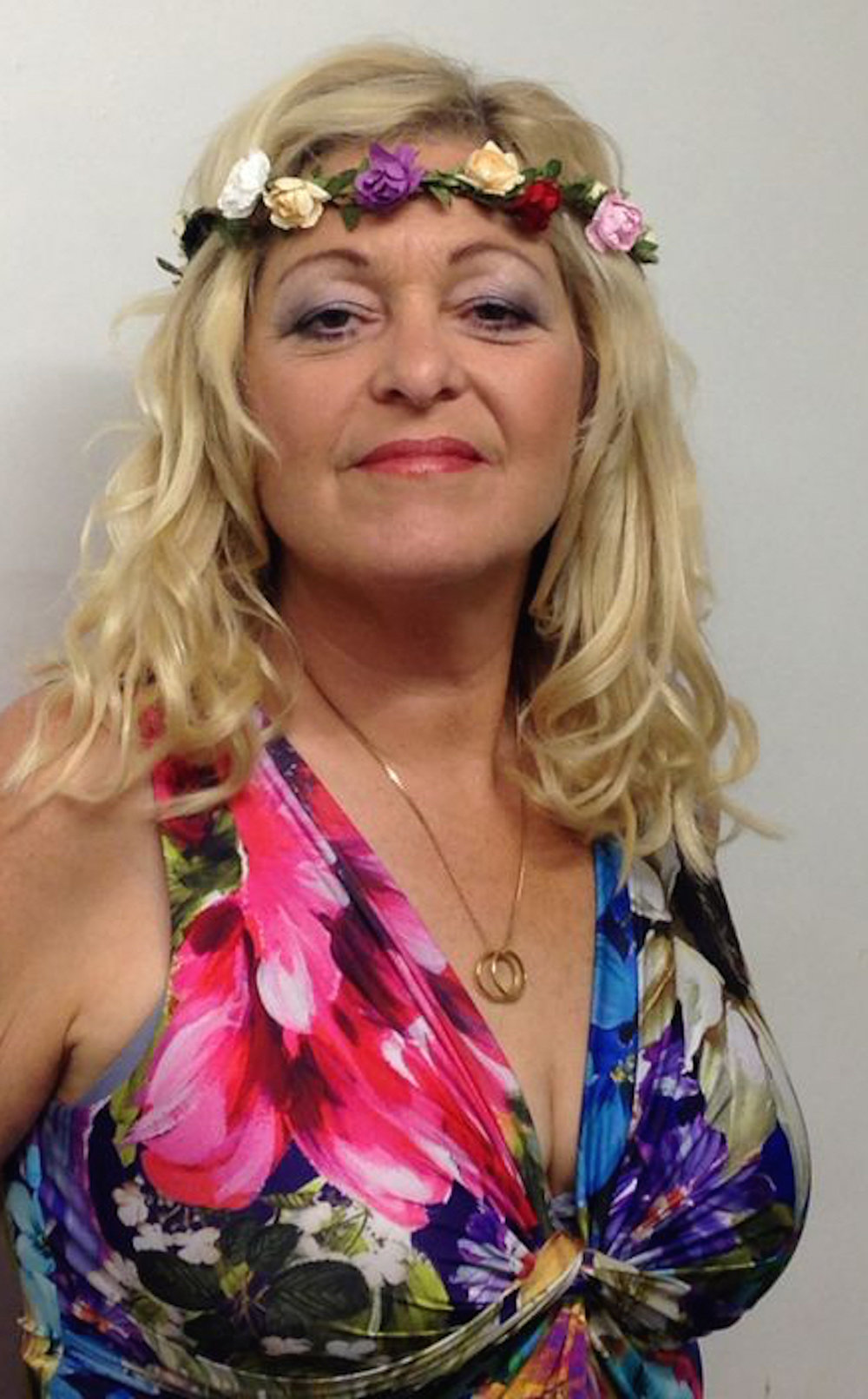 Sally Barker Backstage at Cropredy Aug 14.jpg
