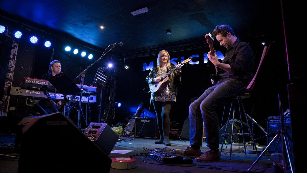 Sally Barker Trio featuring Glenn Hughes and Ian Crabtree.jpg