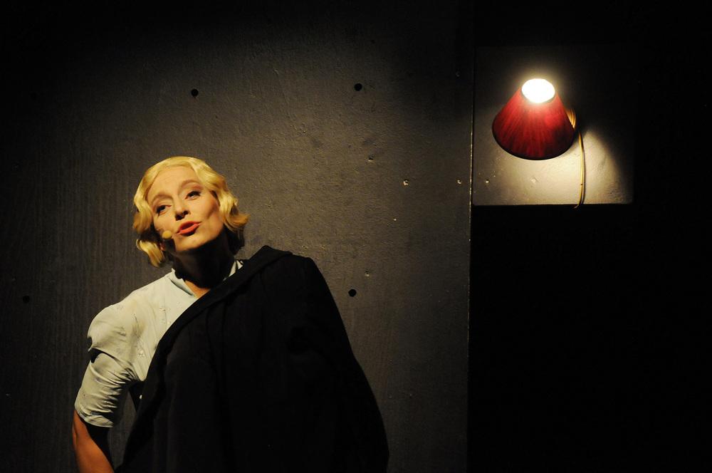 Nina Bendiksen. Southbound (Sørover) 2011.