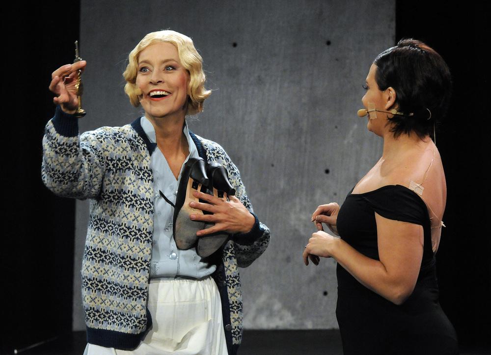 Nina Bendiksen.Gachi Fernández. Southbound (Sørover) 2011.