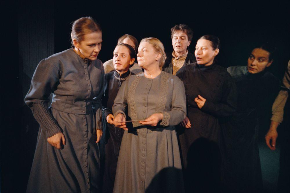 Nina Bendiksen. Maryon Eilertsen.Guri Johnson. Heidi Goldman. Sverre Kjeldsberg. Mary Sarre. Hålogaland Teater. Babettes Gjestebud 1999.
