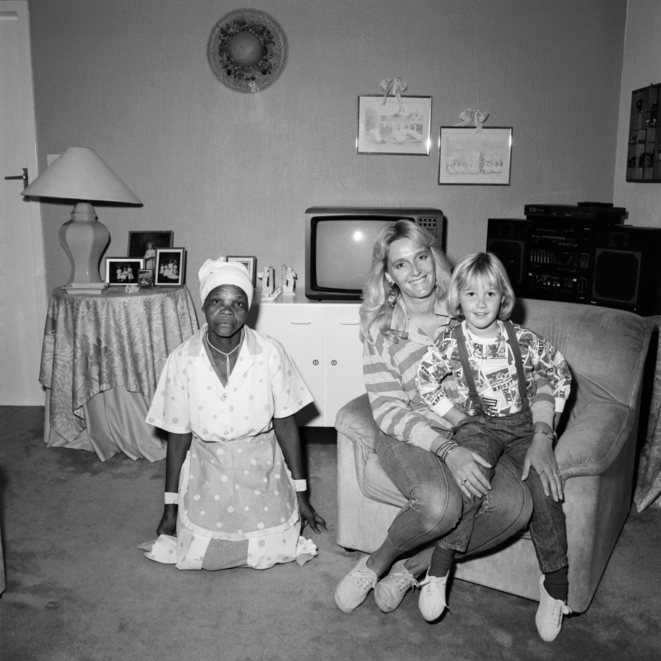 Mother, Daughter, Maid, South Africa, 1988 @ Rosalind Solomon