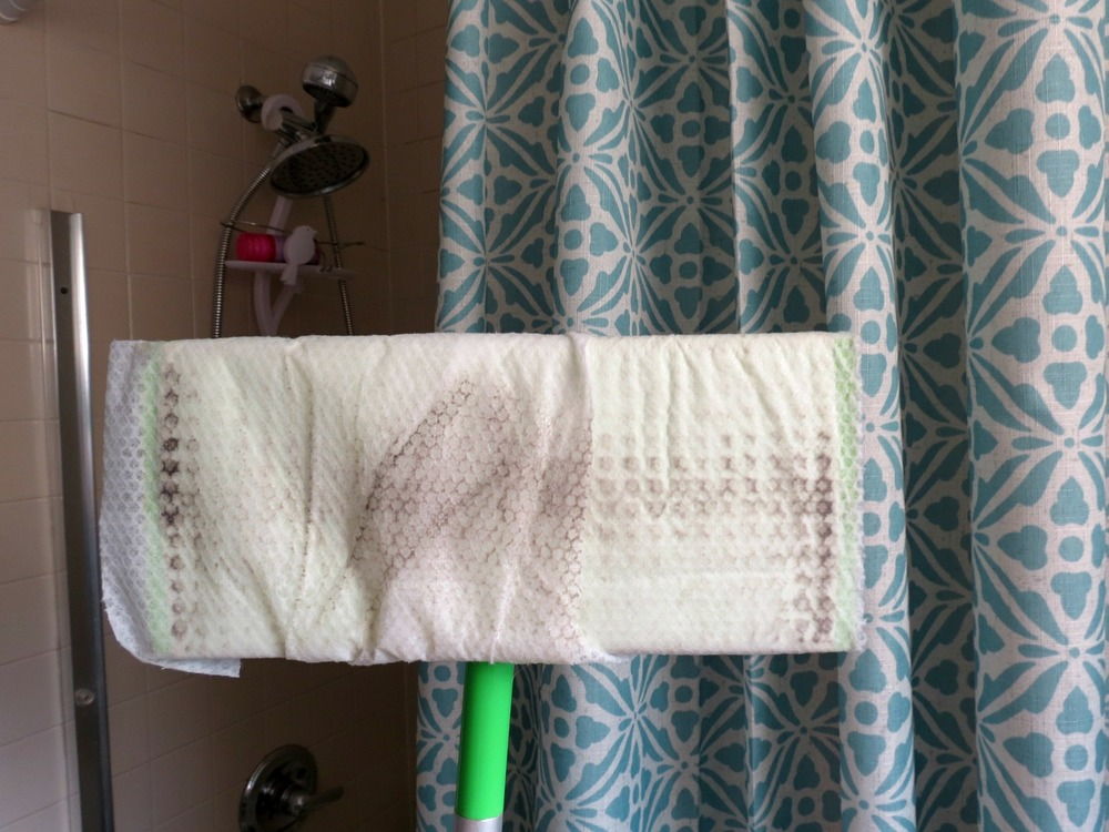 Looking to save some time? Check out this easy Swiffer cleaning hack!