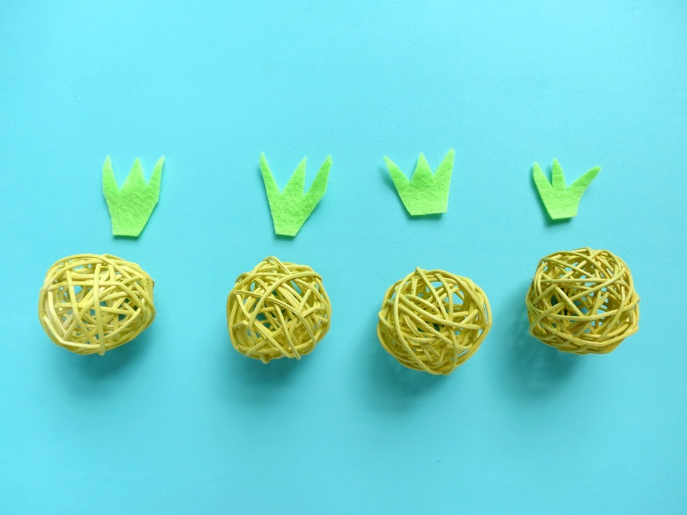 DIY Pineapple Garland- Cute and Easy! | WellKeptChaos