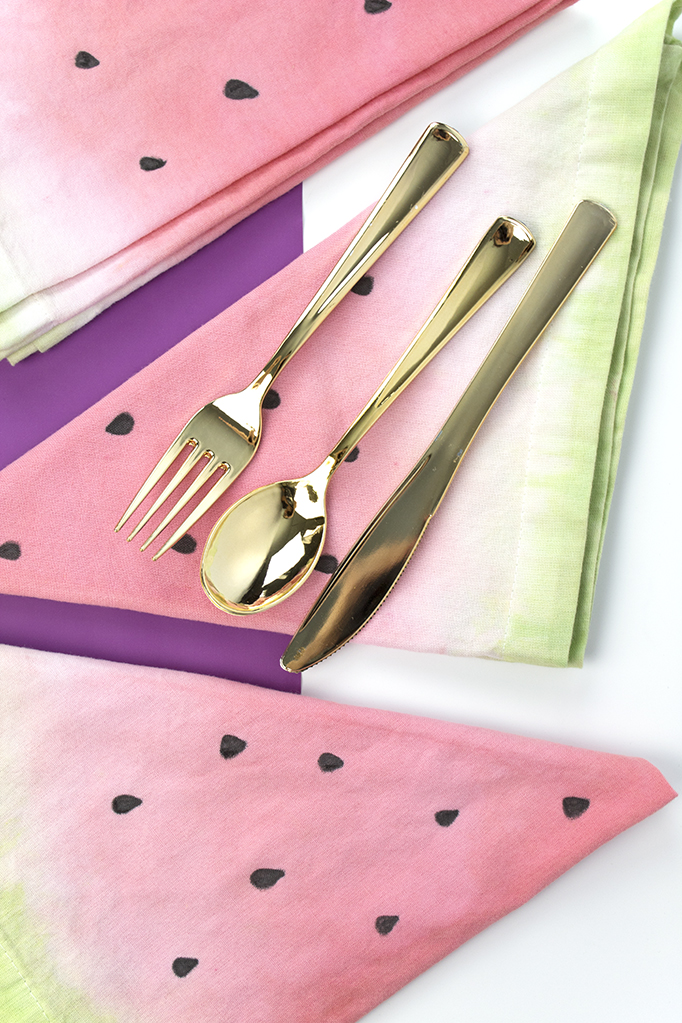 Summer is Hot-Hot-Hot. It's filled with BBQ's, picnics, and backyard parties. Oh, and watermelon. Loooots of watermelon! How about adding a pop of color and whimsy to your tables with these awesome watermelon napkins. Click for the DIY! #watermelon #summercrafts #napkinsdiy