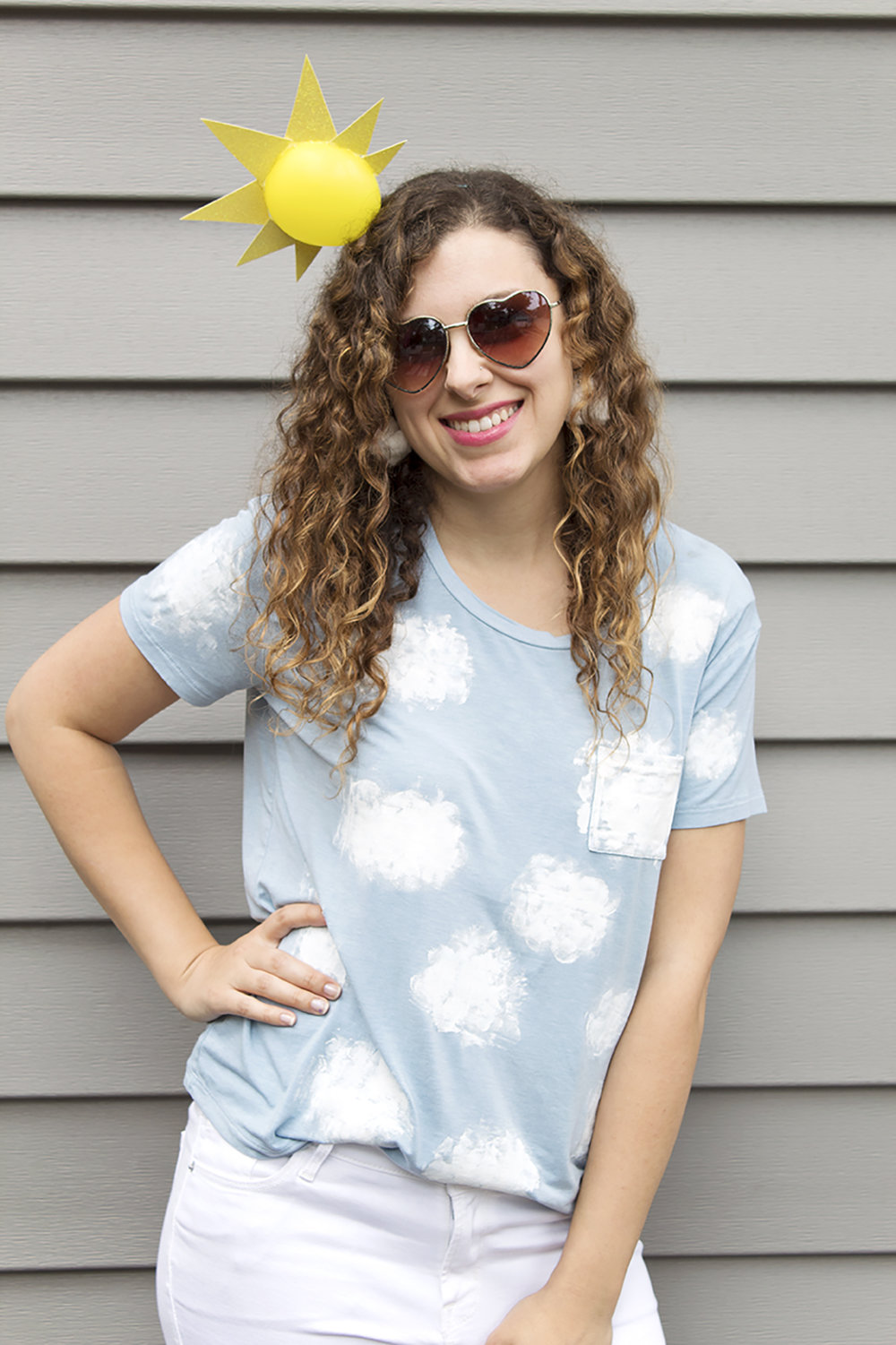 Looking for a quick and easy Halloween costume? Look no further! This last-minute cloud costume is made from a staple everyone has in their closet- a t-shirt! Click for the easy DIY. #halloweencostume #diycostume #lastminutecostume
