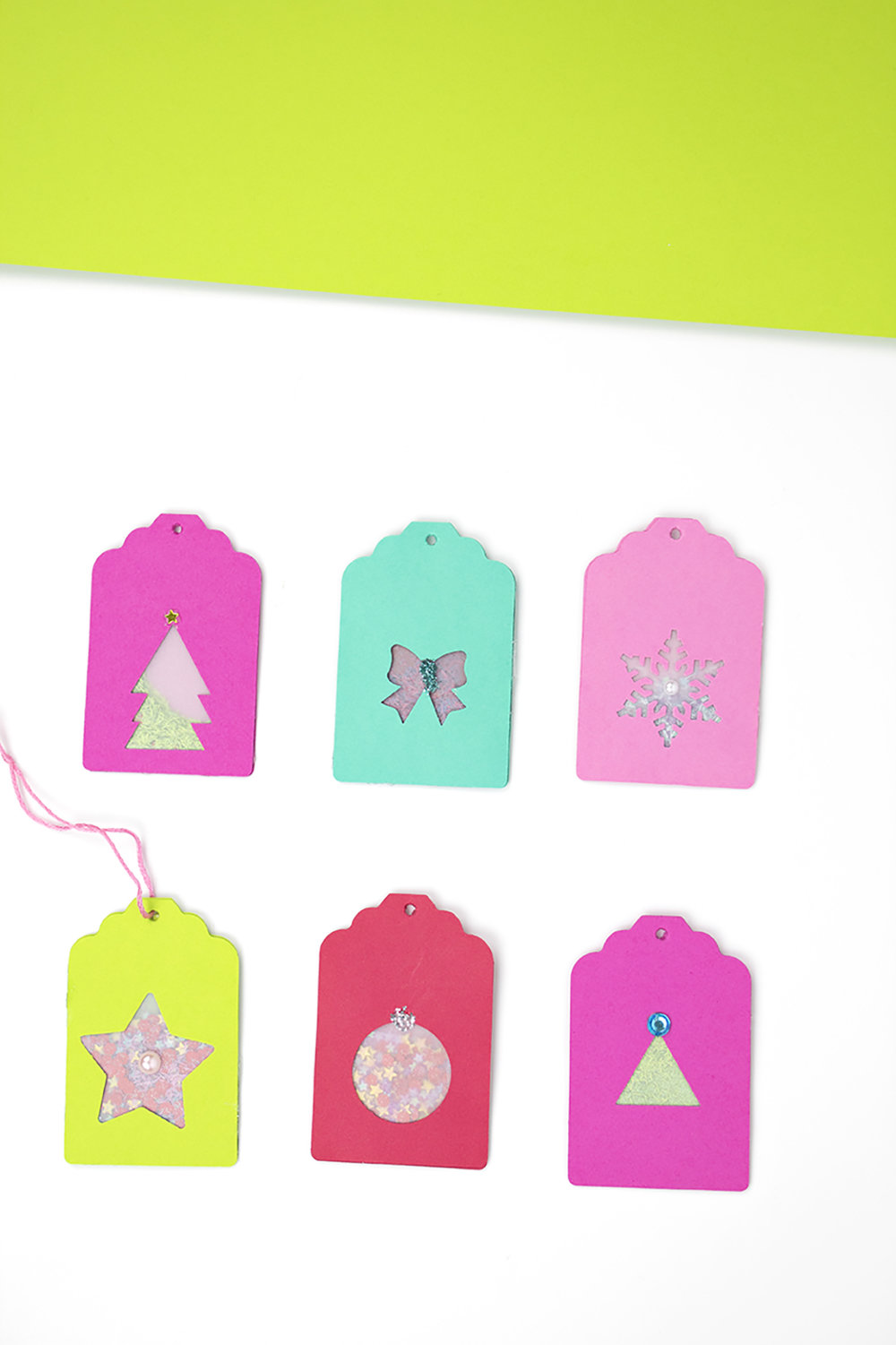 These Confetti Christmas Gift Tags are just what you need for your gifts! Click for the full how-to.