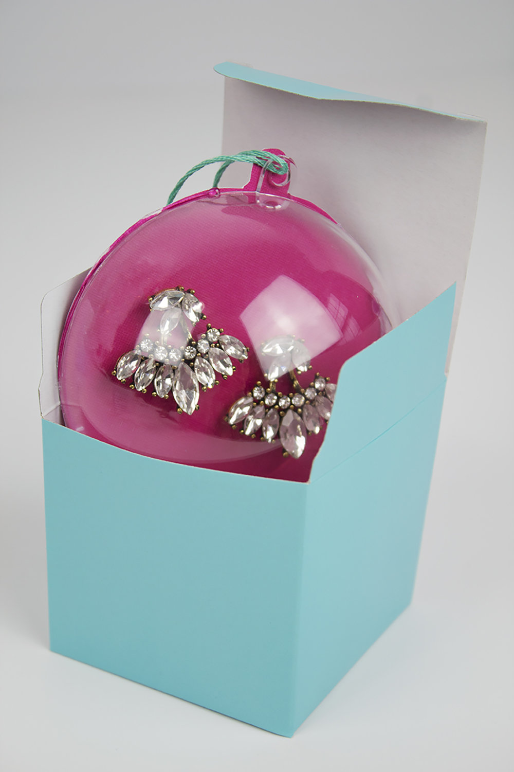 These earring ornaments are way more fun than regular ho-hum packaging, and they're super easy and affordable to do!