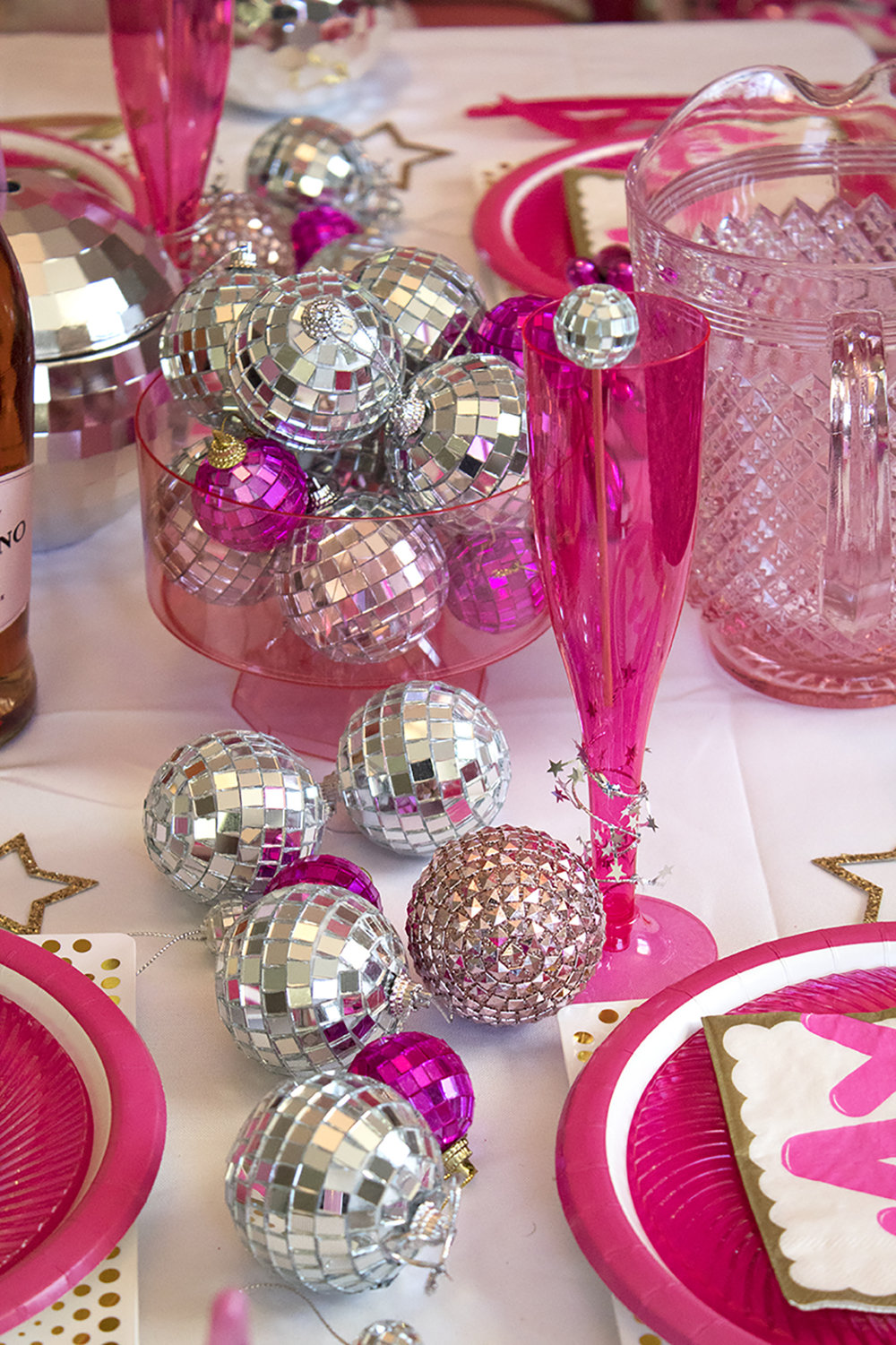 Pink and Silver and Disco Balls, oh my! This New Year's Eve Party is just what you need! Click for the full post.