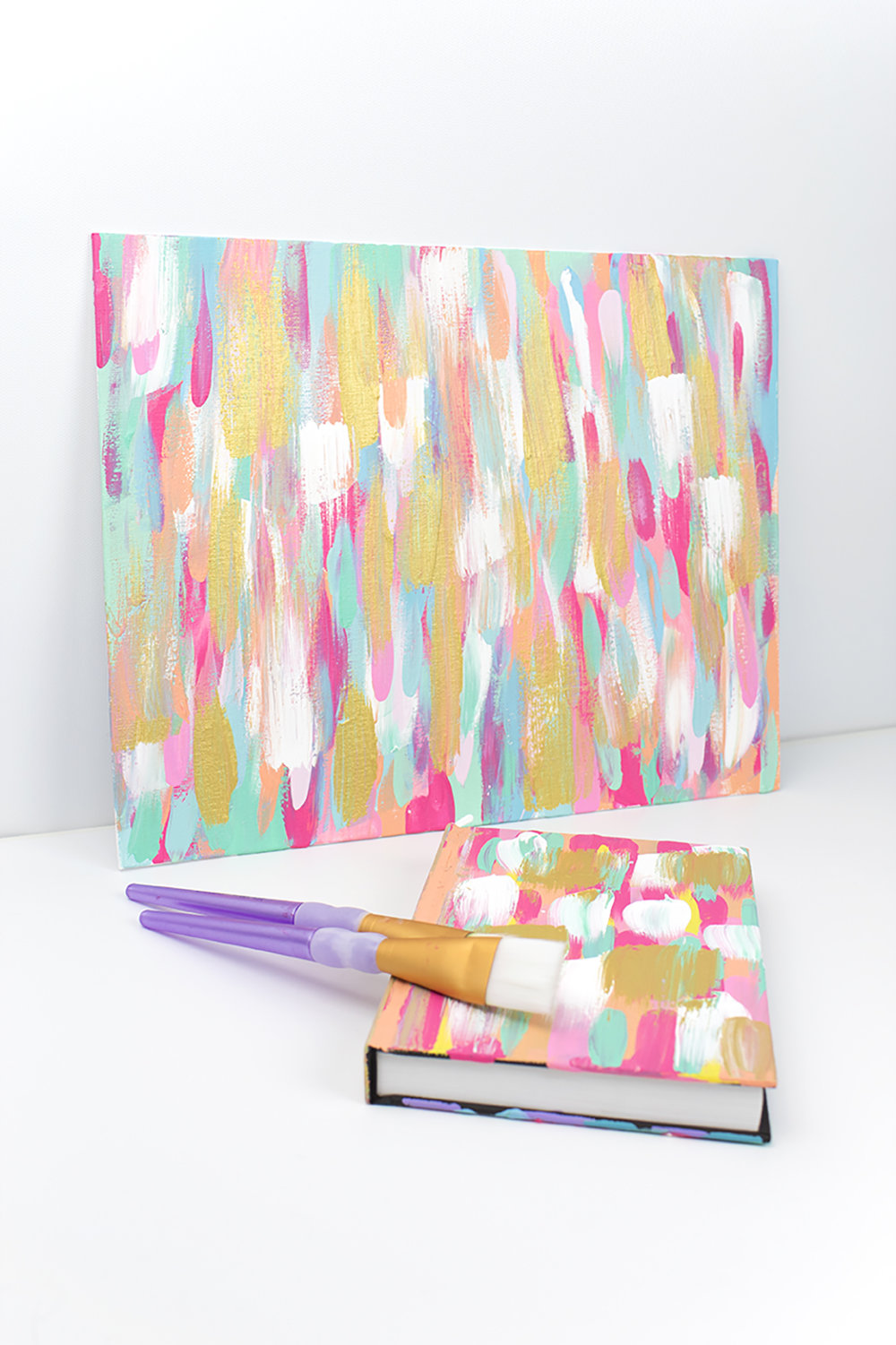 Create easy abstract art with just a flick of your paintbrush! Click for the full how-to.