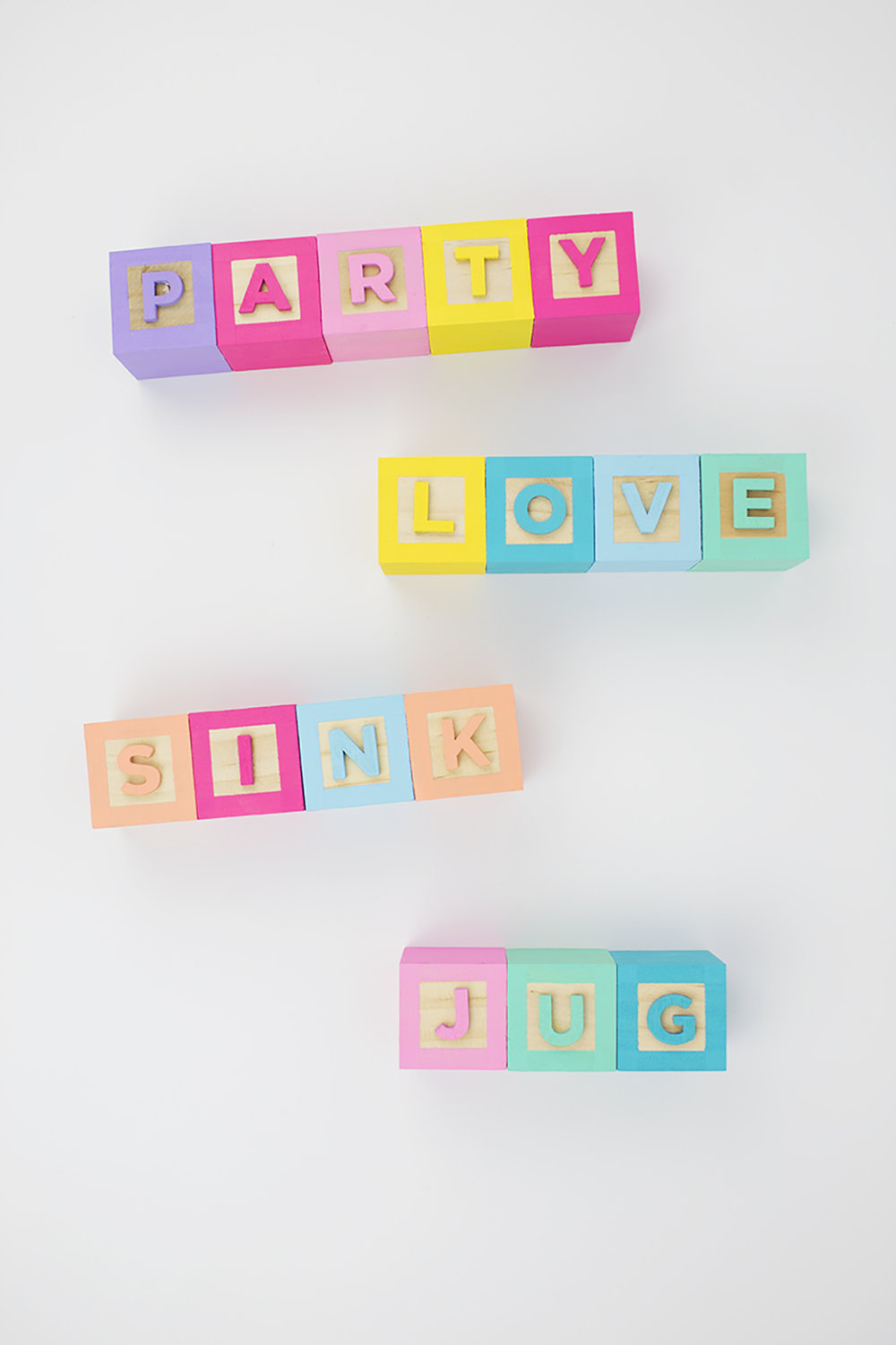 Colorful rainbow alphabet baby blocks? Yes please! Find out how to make a set for yourself. Click for the full how-to!