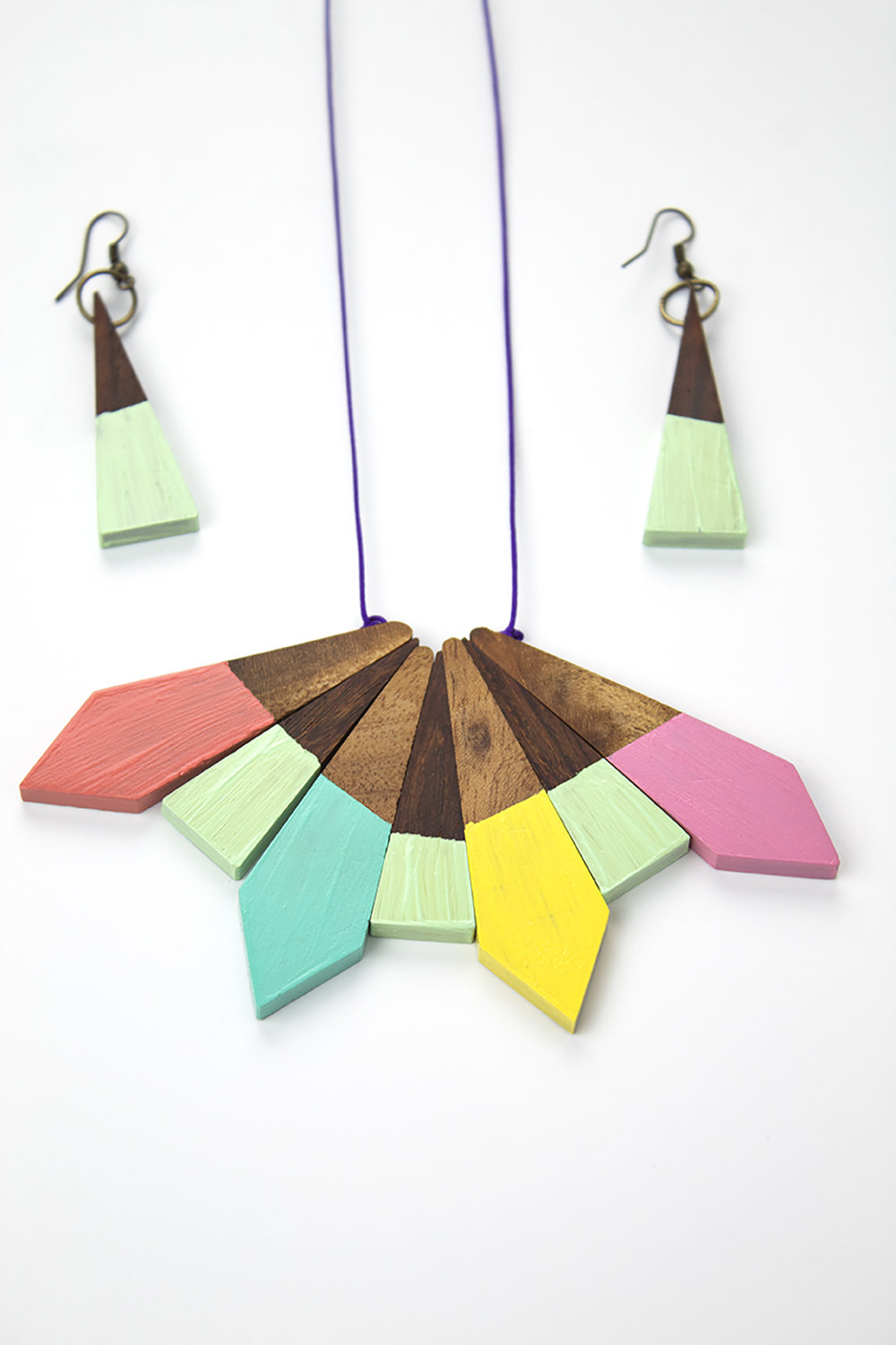 Paint Necklace 11.jpg