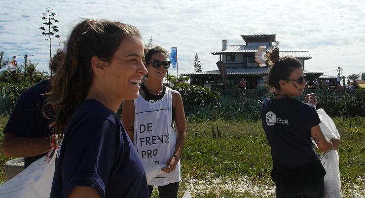 guardias do mar patricia almeida chloe calmon e claudia goncalves surfistas brasileiras