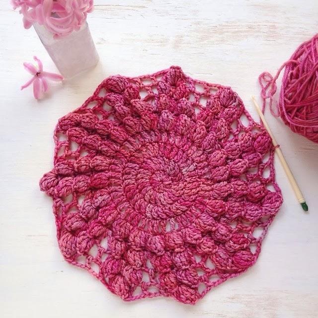 Dawn Regan-Vintage Round Pillow Crochet