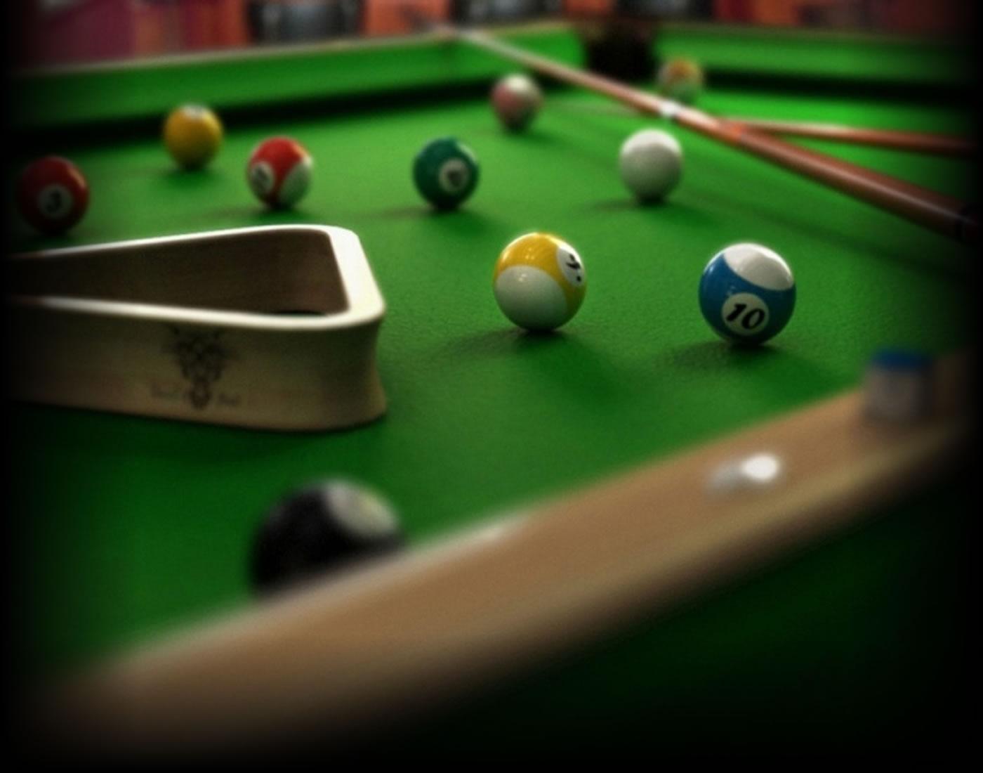 BUCKS BILLIARDS - Nearest bar with pool table