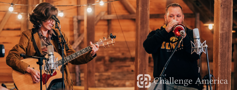 Amy Grant performs during Challenge America's 2018 Nashville Veterans Music Therapy Retreat.