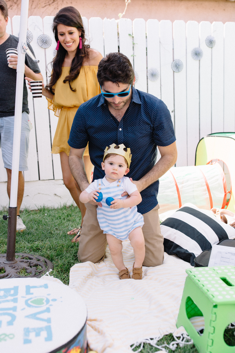 backyard-first-birthday-los-angeles-callifornia-home-family-photos-pictures-03.jpg