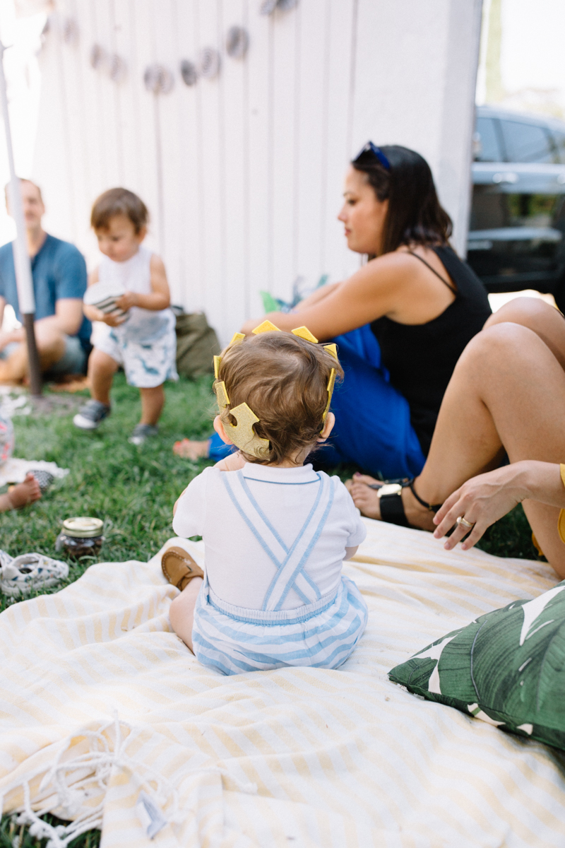 backyard-first-birthday-los-angeles-callifornia-home-family-photos-pictures-09.jpg