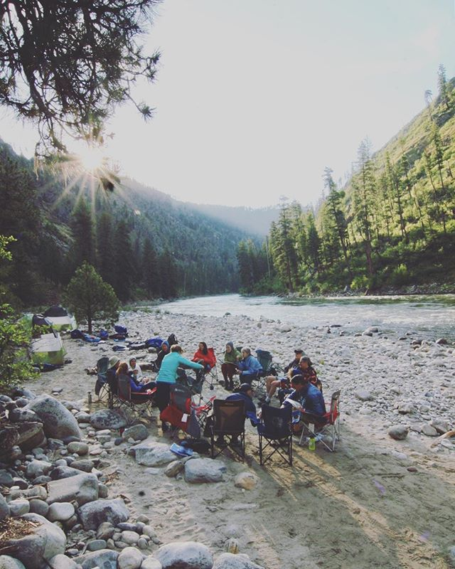 Just back from 6 days on Idaho's Main Salmon River, co-facilitating the inaugural trip for @freeflowinstitute. Pure magic. 90 river miles through the largest contiguous wilderness in the lower 48s, daily discussions on writing and public lands led by Pulitzer Prize finalist William deBuys, and a group full of insightful people who give a damn. Also: encounters w/ eccentric locals blowing shit up, finding a jar of picked mountain lion fetuses, leaps from 25ft bridges, and an ankle sprain from some overzealous trail missioning. Overall, huge success. Mark your calendars for this one in 2019; not to be missed! #runnersofthewild #territoryrunco #beetelite @bigskybrewing @wildernesssociety #getoutside