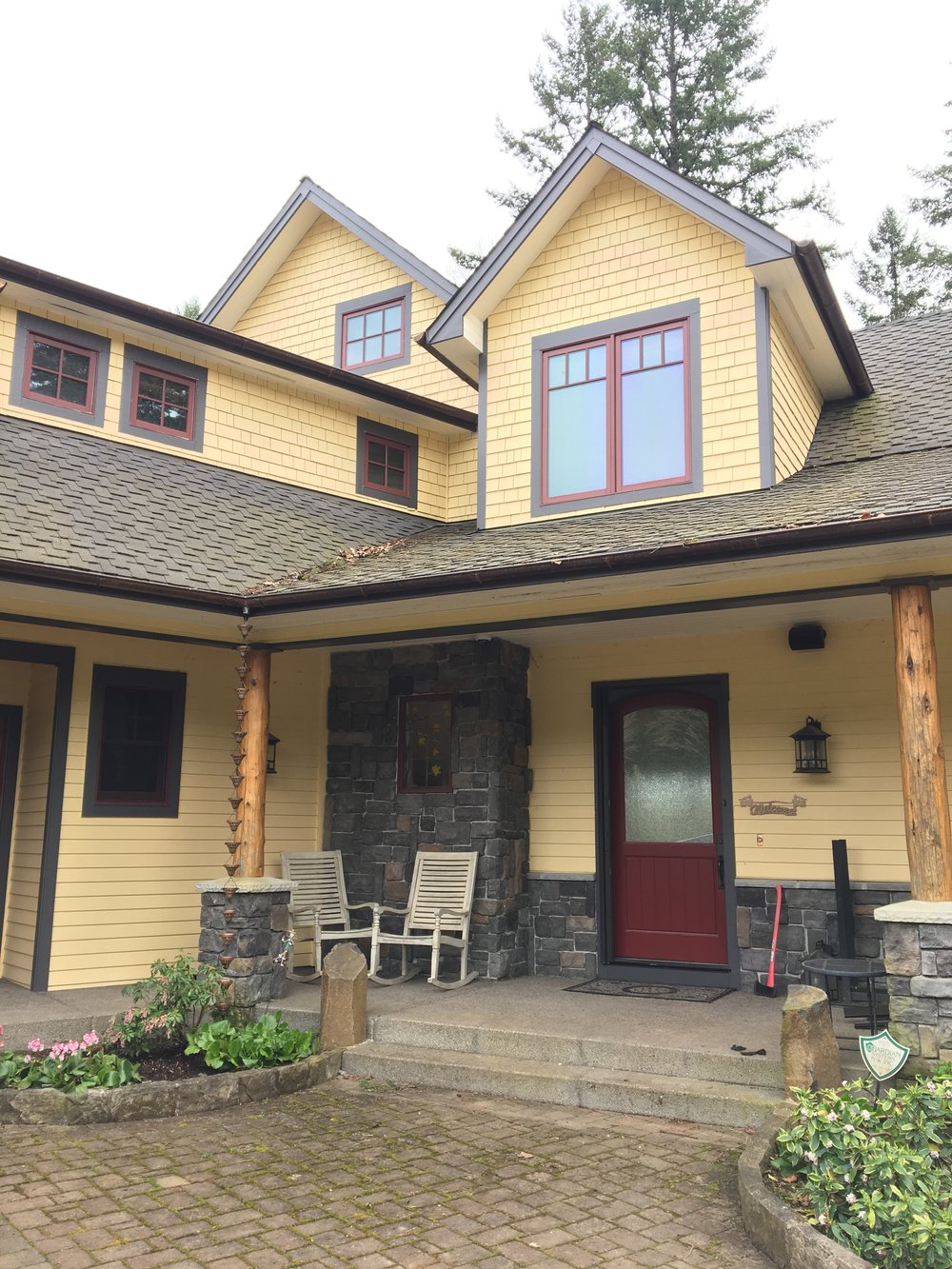 Exterior Paint Color Scheme by  colormoxie