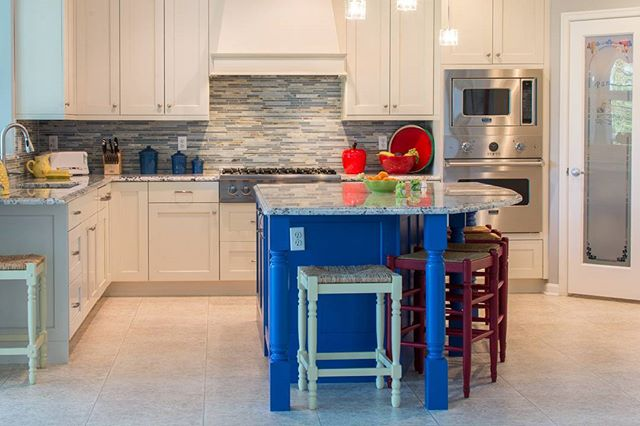 Absolutely love the punch of this blue island!  Follow for more interior inspiration!  #interiors #decorator #decor #kitchen #kitchens #sinks #designblogger #designblog #blogger #blog #lighting #interiorideas #interior123 #interiordesign #homedecor #stovetop