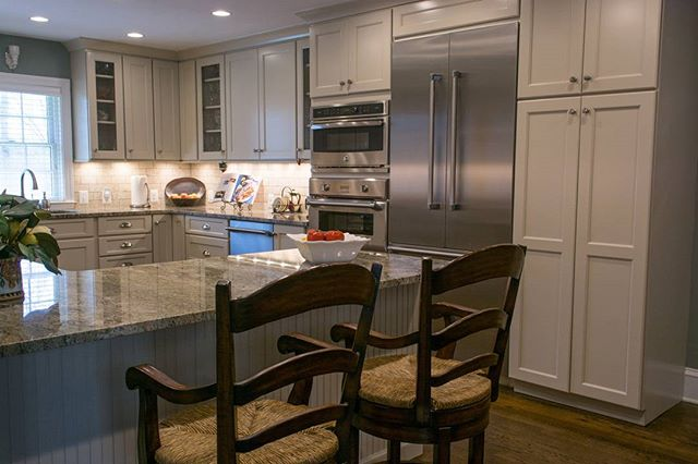 Our most recent kitchen remodel is the perfect use of off white cabinets. More of this kitchen to come!  Follow us for more interior inspiration!  #interiors #decorator #kitchen #kitchens #design #interiordesign #interior123 #wolf #subzero #homedecor #decor #styletips #northernvirginia #warrenton #warrentonva #kitchenremodel #interiorstyling