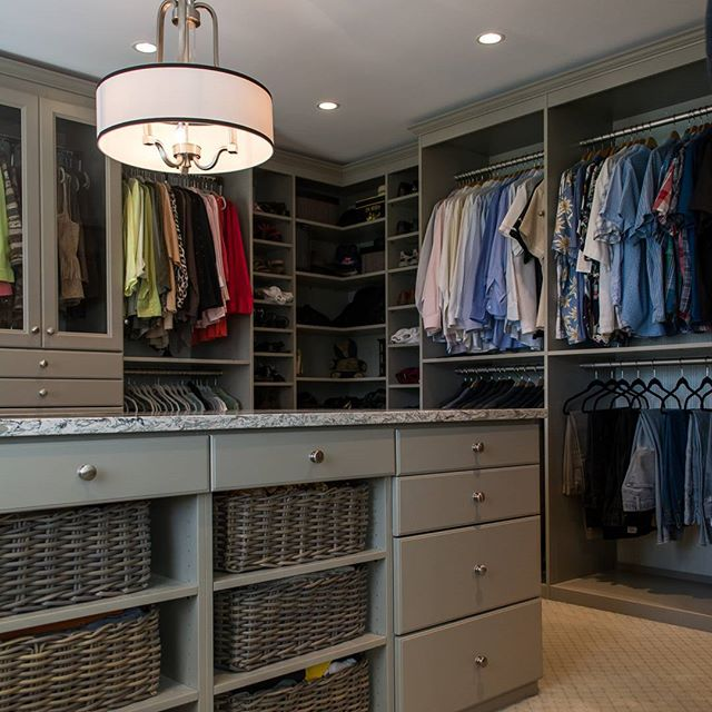 At warren cabinets we specialize in more than just kitchens and baths. Let us design your dream closet too!  Follow us for more interior inspiration!  #interiors #decorator #kitchen #kitchens #design #interiordesign #interior123 #wolf #subzero #homedecor #decor #styletips #northernvirginia #warrenton #warrentonva #kitchenremodel #interiorstyling #closets #closetgoals  #closetenvy