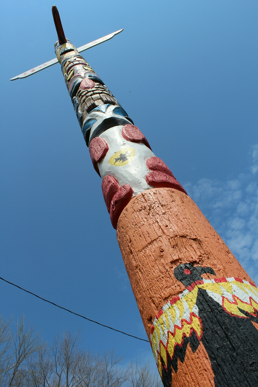 Totem pole on Lakeshore