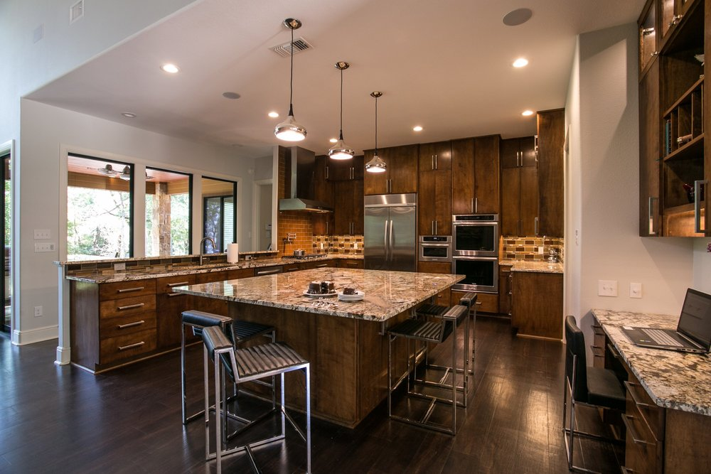This dream kitchen also has double ovens!