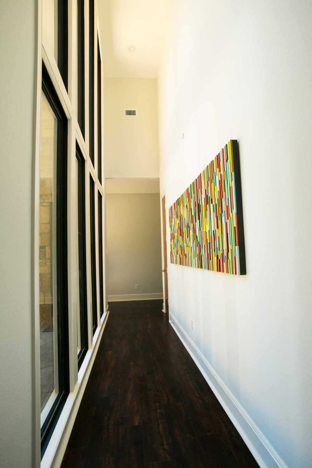 Contemporary art makes this home one of a kind! - Ambiance - Jill Ornelas