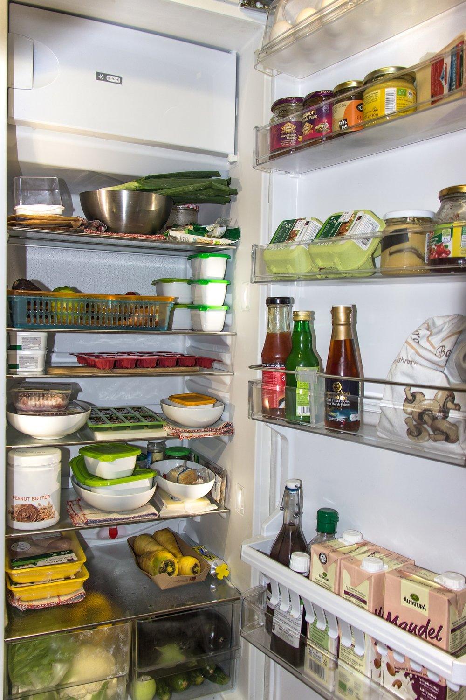 refrigerator-1809344_1920.jpg