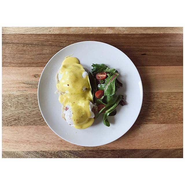 Sunday brunch prepared by Chef Baby. Eating at home to save money is made far easier when your partner has fancy kitchen skills and likes to spoil you. #eggsbenedict #foodisfun #restaurantshmestaurant