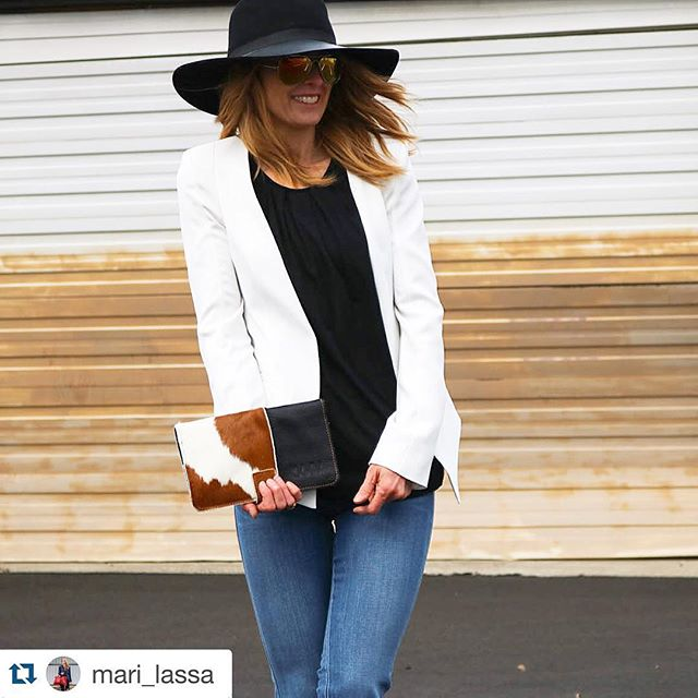 #Repost @mari_lassa ・・・ Channeling my inner cowboy...having fun with the Wallet Clutch and all these fun clothes from @lulusbend!  Happy Friday!
