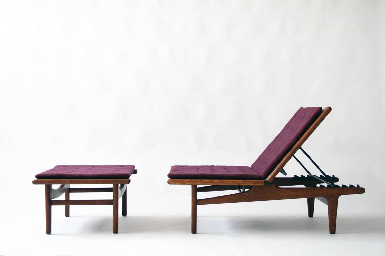 Original Oak Chaise Lounge By Hans Wegner CIRCA MODERN