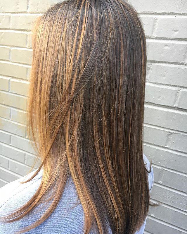 Golden balayage by Elaine 💛💛💛#hydesalon #ilesformula #balayage #fallhair #haircolor