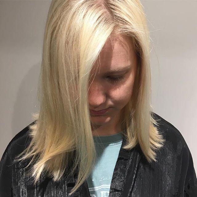 ✨Baby blonde ✨  #hairbyRazan #highlights  #blonde #foils #haircut #hydesalon #nashville