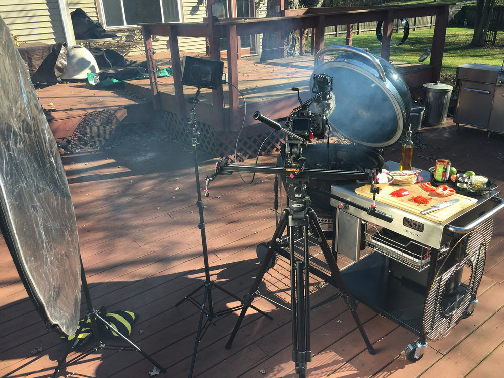 Weber Summit Charcoal Holzkohlegrill : Summit charcoal grill queen of gardens