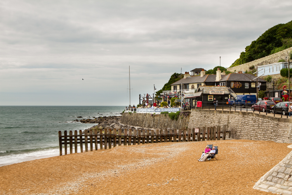 Ventnor Beach towards the Spyglass.jpg