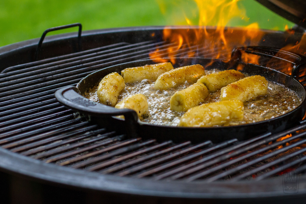 banana flambe on weber grill.jpg