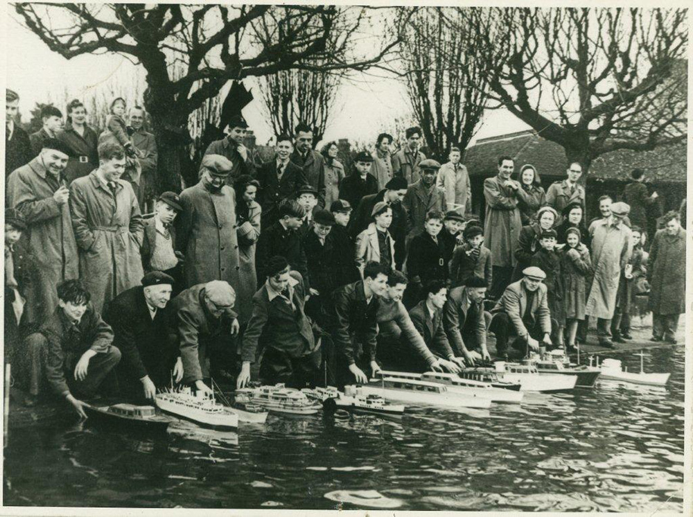 Pre 1960 Southend Model Power Boat Club  taken from  Southend Model Boat Club  website: http://www.smpbc.co.uk