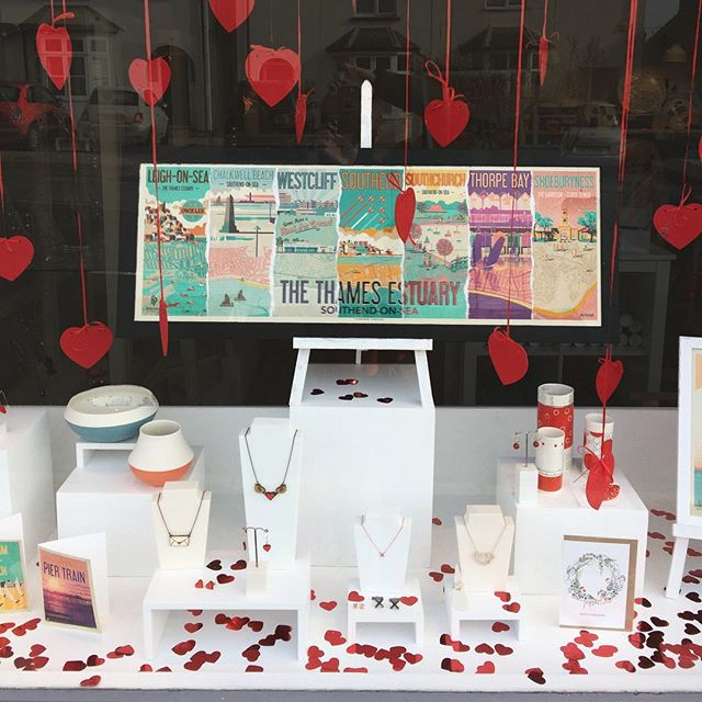 Love is in the air at the lovely Amy Keeper Studio in Burnham-on-Crouch. Thanks @amykeeper for having my Thames Estuary piece on display. Looks great. #windowdisplay #burnhamoncrouch #fendellposters